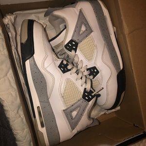 White Cement 4s Jordan's